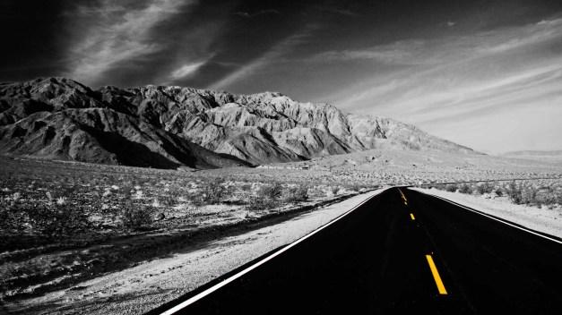 desert-highway-cutout