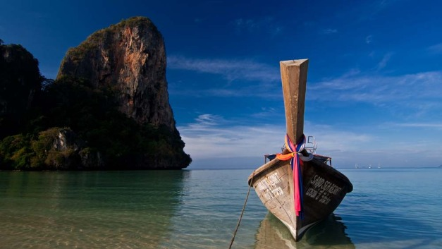 longtail-boat-at-railay-beach